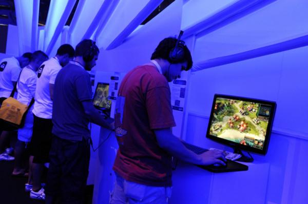 ゲーム大手EA、新興企業を最大13億ドルで買収
