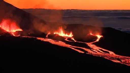 動画:フルネーズ火山で噴火活動を確認、仏領レユニオン島