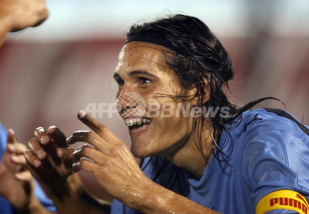 <サッカー 07南米ユース選手権>カヴァーニの得点などでウルグアイがパラグアイに快勝 - パラグアイ