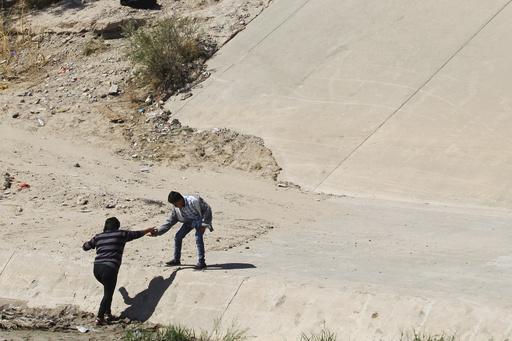 米トランプ政権の新難民申請規制めぐり、人権団体らが提訴