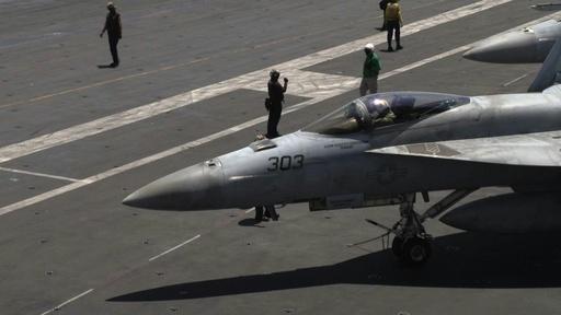 動画:米空母が南シナ海で艦載機の離着艦訓練、航行の自由作戦