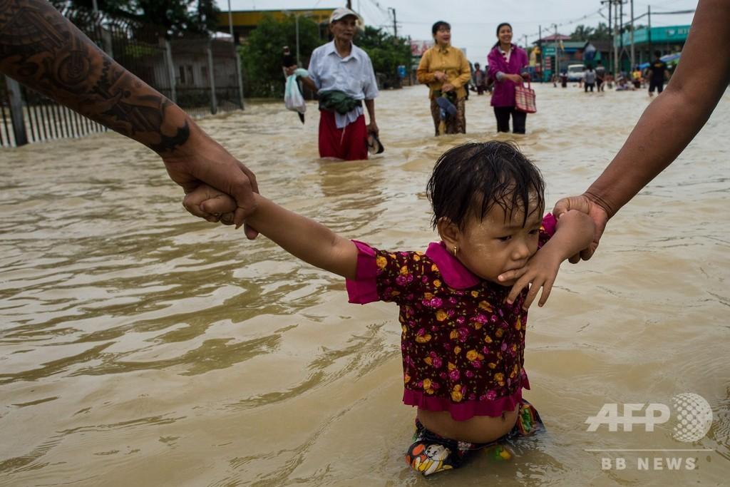 ミャンマー各地で洪水、10人死亡 5万4000人超避難