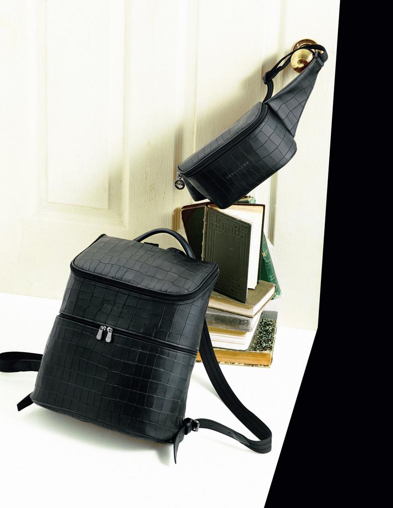 「ロンシャン」の新作バッグでシックな日常を