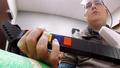 米の四肢まひ患者、右手の動きを「回復」 史上初