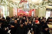 米感謝祭週末の売り上げ減、購買動向の変化が影響か