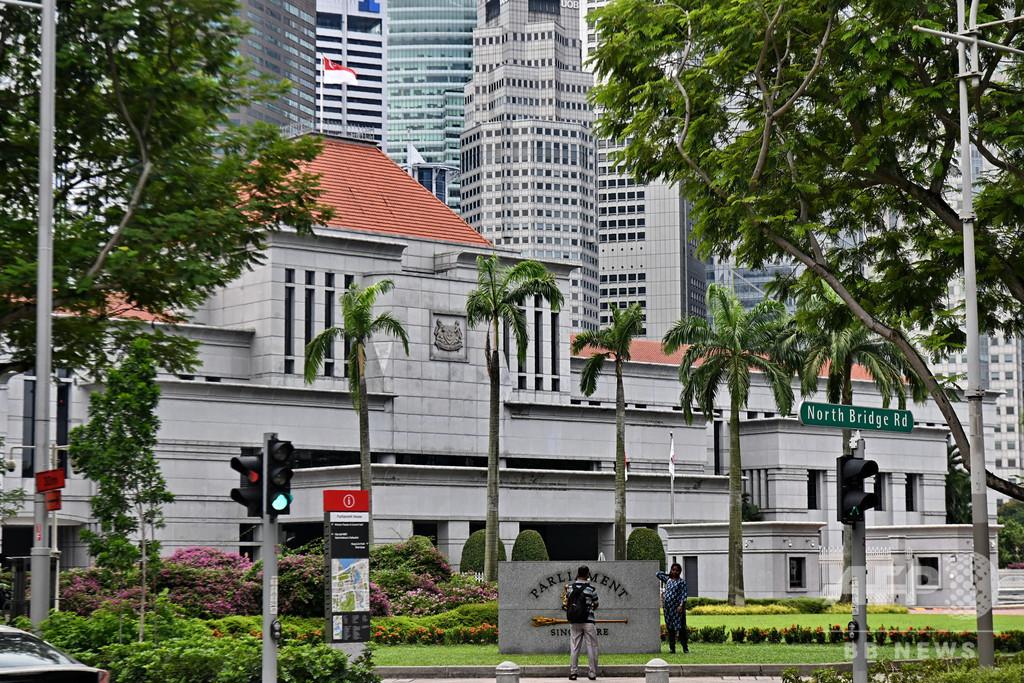 シンガポール、偽ニュース取締法を施行 人権団体などが批判