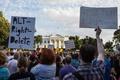 「大統領は白人至上主義も非難」 衝突めぐりホワイトハウスが釈明