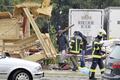 暴風雨で巨大テントが倒壊、120人以上死傷 オーストリア