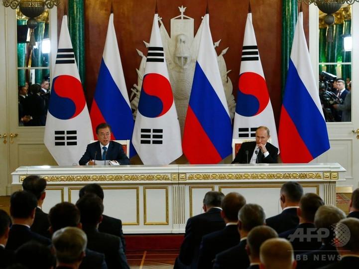 プーチン大統領、経済フォーラムに南北首脳を招待 安倍首相も出席へ