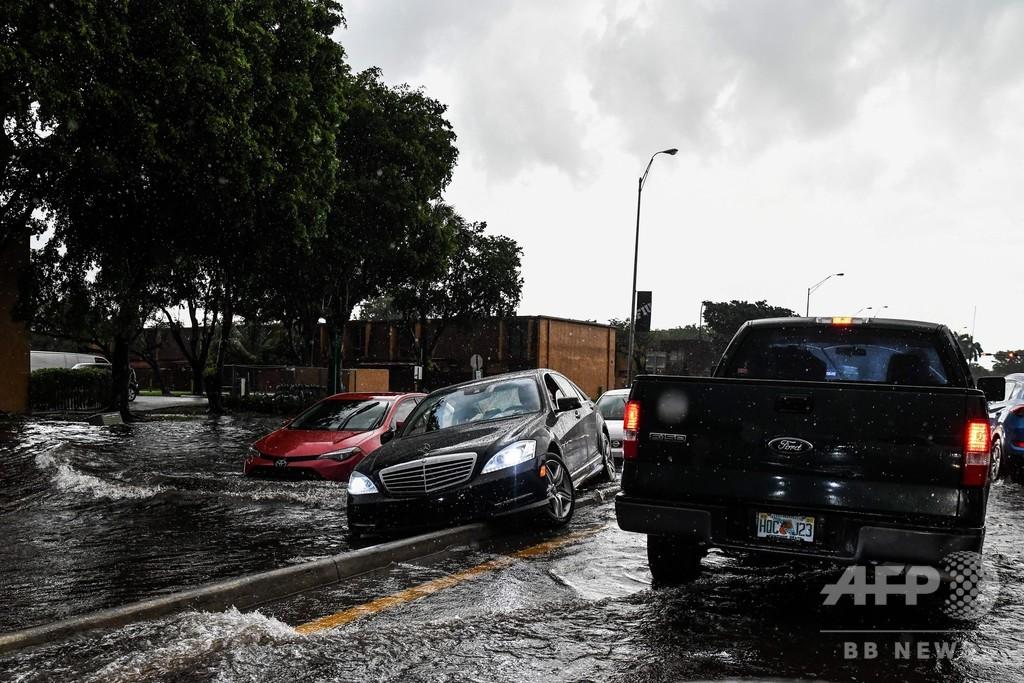 米フロリダ州で3日連続の豪雨、マイアミなどで洪水発生