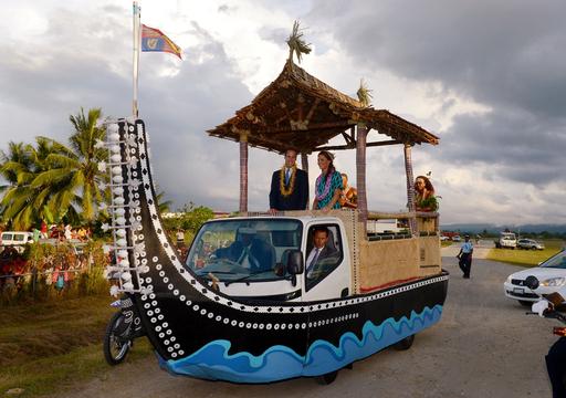 英王子夫妻、ソロモン諸島を訪問