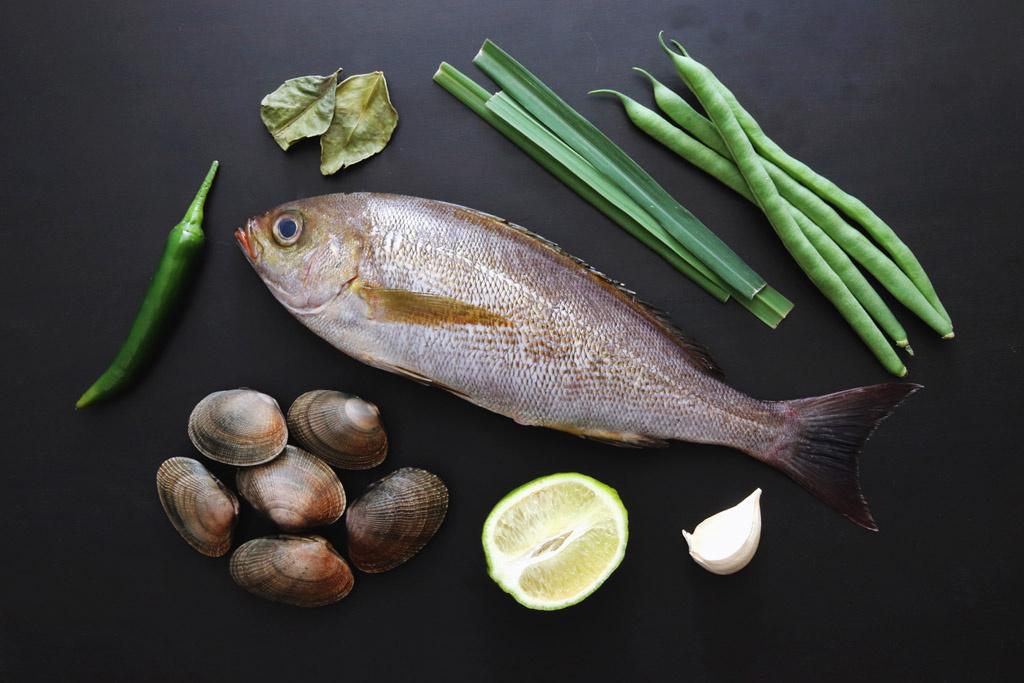 <La Cuillère de marie claire style>第80回 魚の紙包み焼きエスニック風