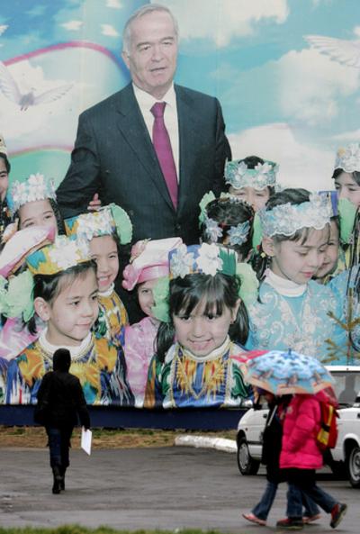 ウズベキスタン大統領選、現職カリモフ氏が大勝