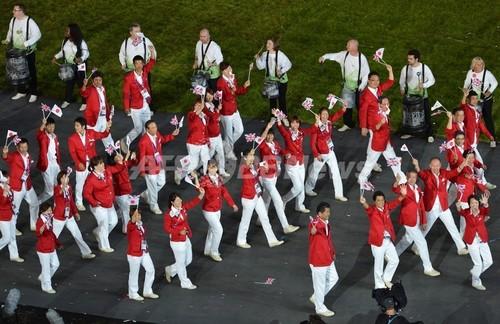 国際ニュース:AFPBB News日本は吉田沙保里が旗手、各国選手団が入場行進 ロンドン五輪
