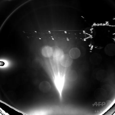 欧州探査機が彗星に着陸、世界初 固定には失敗
