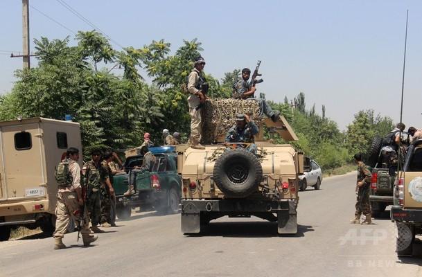 アフガン北部でタリバンがバス襲撃、16人殺害30人以上拉致