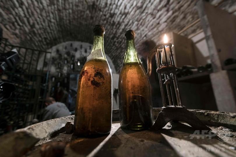1774年産の黄ワイン3本、フランスで競売へ 「世界最古」