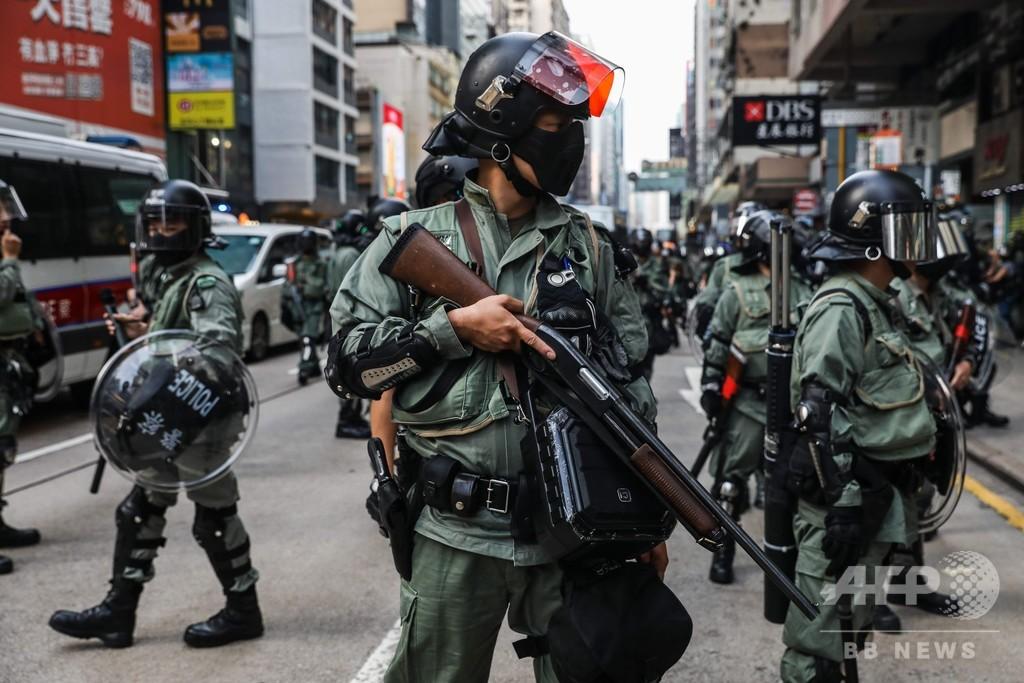 香港高裁、警察官の個人情報さらす行為を一時禁止 写真も該当