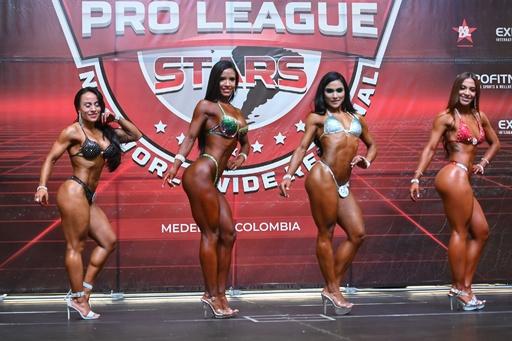筋肉自慢が集結! コロンビアでボディービル大会