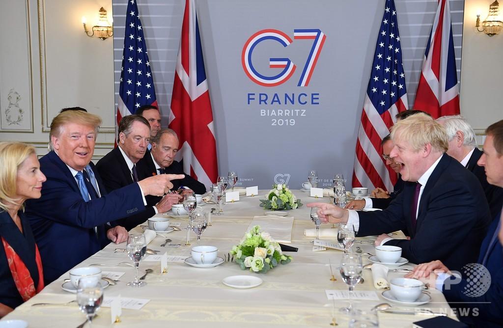 米英首脳が初会談、トランプ氏はジョンソン首相をべた褒め