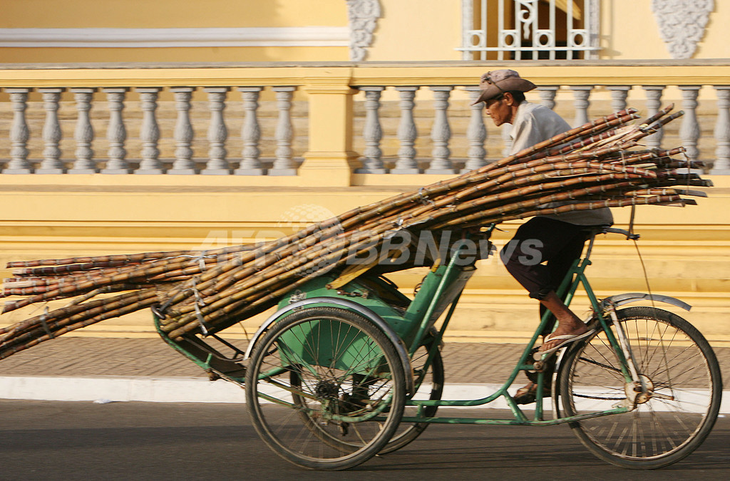 カンボジア、経済多様化に資源開発と農業重視へ
