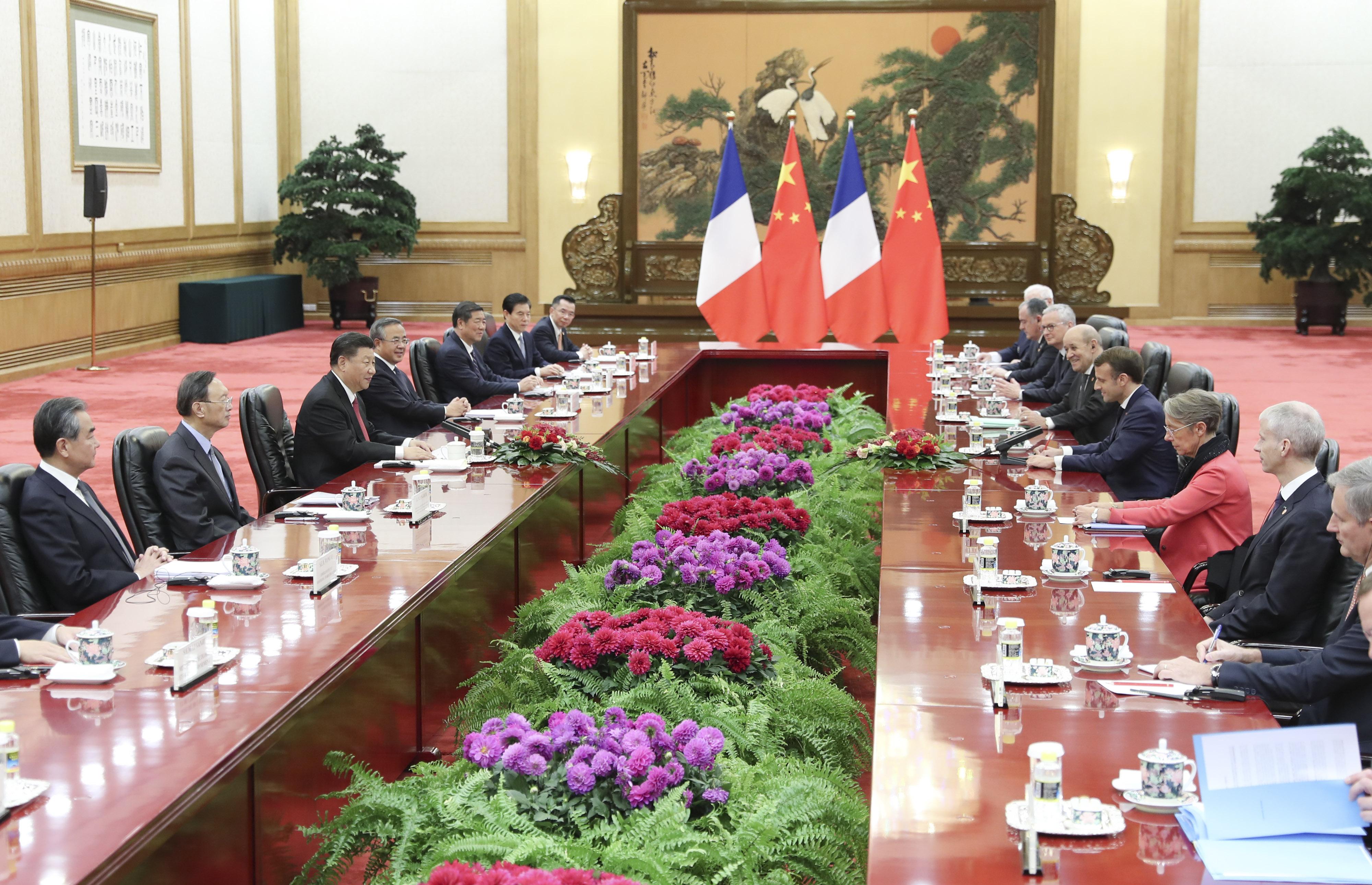 習近平主席、仏大統領と会談 協力深化に向け六つの目標打ち出す