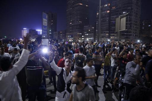 エジプトの反政権デモ、2日連続 スエズでは治安部隊が実弾使用か