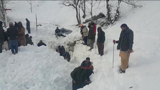 動画:パキスタンとアフガニスタンで天気大荒れ、雪崩などで死者130人超