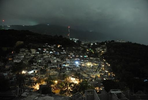 ハイチ被災地に大雨、避難キャンプの状況悪化