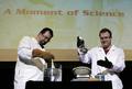 「ウシのふんからバニラ香料」日本の山本さんが2007年度イグ・ノーベル賞を授賞