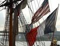 米独立支援の仏帆船「エルミオーヌ」号の復元船、NYに入港