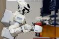 川田工業、人間型二足歩行ロボットを開発