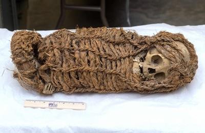 約2000年前のペルー先住民の乳児のミイラ、米から返還へ