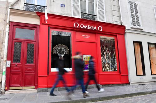 世界初の店舗コンセプト、「オメガ」NATOストラップが揃うポップアップ