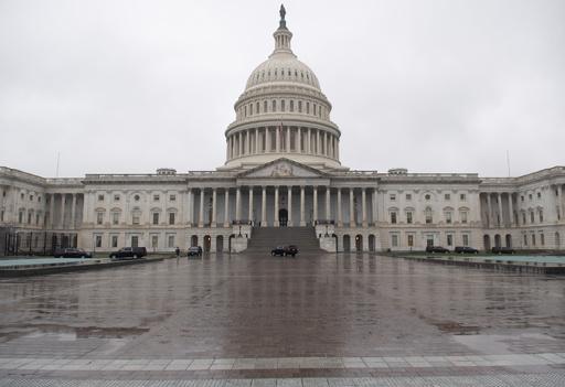 米上院とトランプ政権、経済対策費220兆円で合意