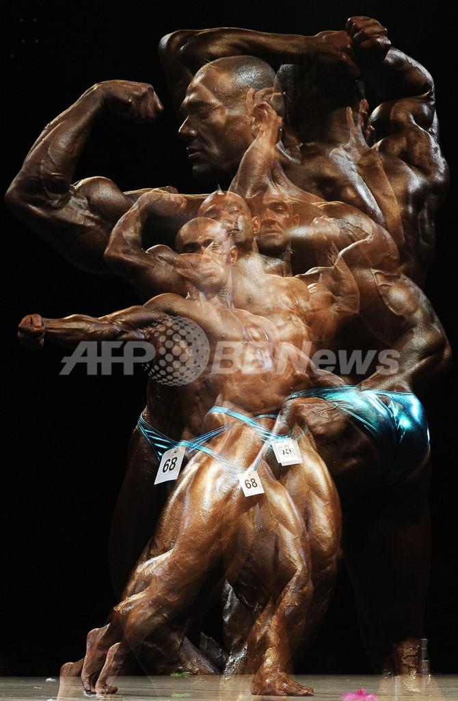 鍛え抜かれた肉体美、スロバキアのボディビルディング世界チャンピオン大会