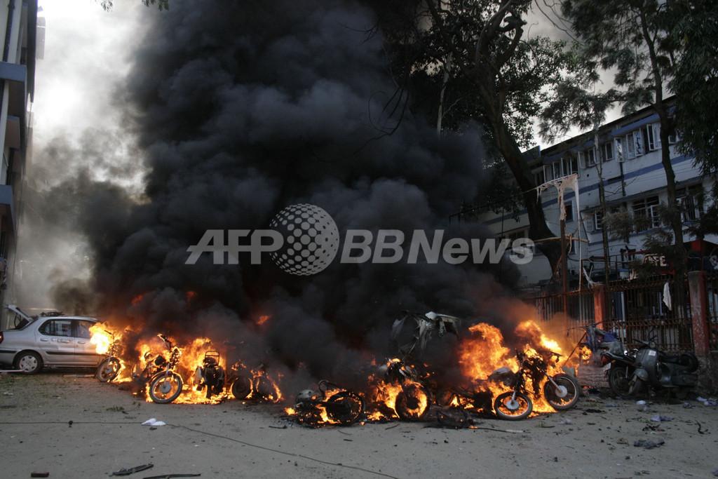 インド北東部アッサム州で連続爆発、死者60人以上