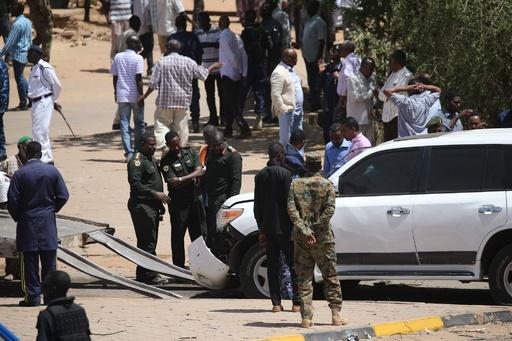 スーダン首相の暗殺狙った爆発発生 首相は無事、未遂に終わる