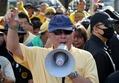タイの反タクシン派指導者、銃撃され負傷