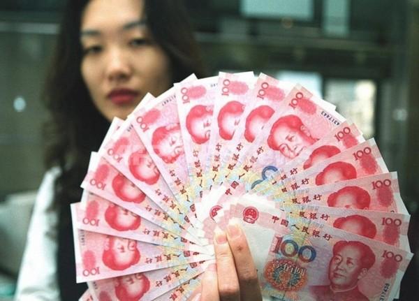 財布の紐を緩めない中国の消費者