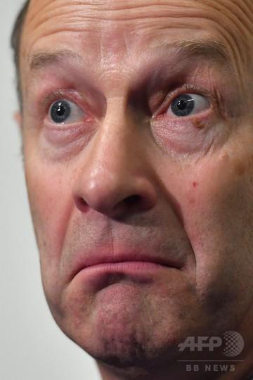 マークルさんは「王室の血汚す」 英独立党党首、恋人の差別表現で批判
