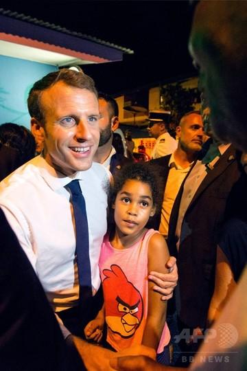 仏領ギアナ訪問のマクロン大統領...