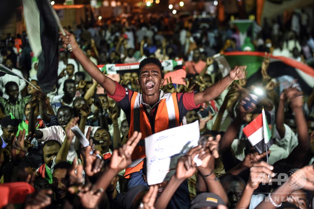 暫定軍事評議会との対立解けず、デモ主導者らゼネスト呼び掛け スーダン