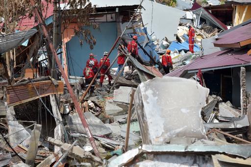 スラウェシ島地震・津波、死者1944人に 犠牲者数さらに増加か