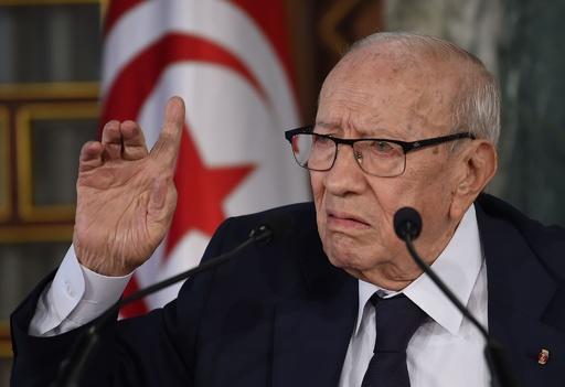 チュニジア大統領が死去、92歳