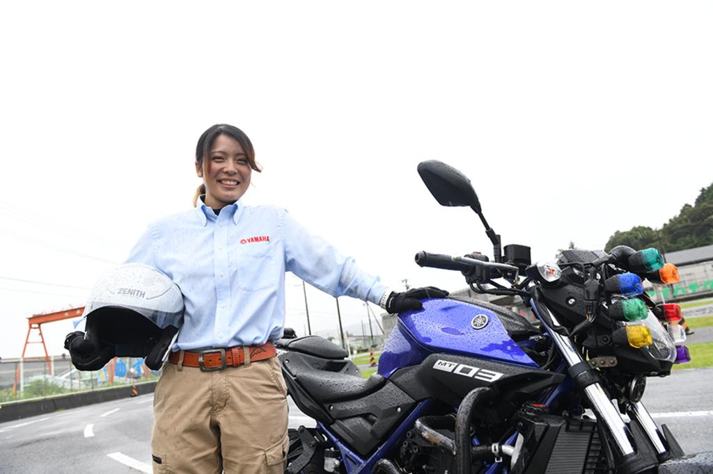 【ニュースレター】「憧れの職業」に就いた女性指導員、奮闘中!