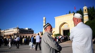 少数民族拘束はテロ防止の「職業訓練」、新疆ウイグル自治区幹部が正当化
