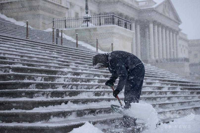 カナダと米国に寒波襲来、「氷震」も頻発