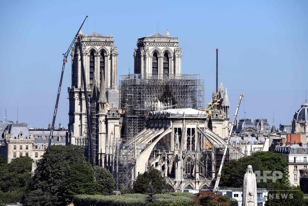 火災被害のノートルダム大聖堂、熱波で「倒壊の危険」 仏文化省