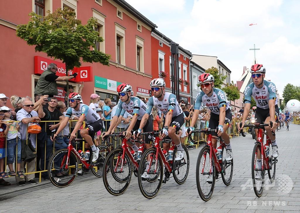 選手死亡の自転車レース、第4ステージはニュートラル扱いに